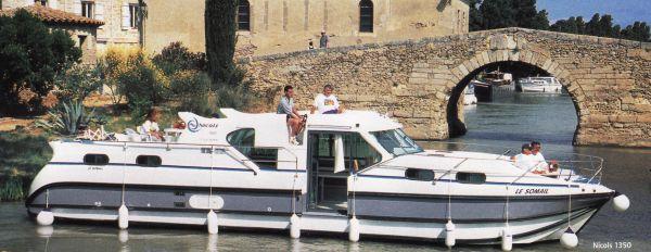 loira_houseboat
