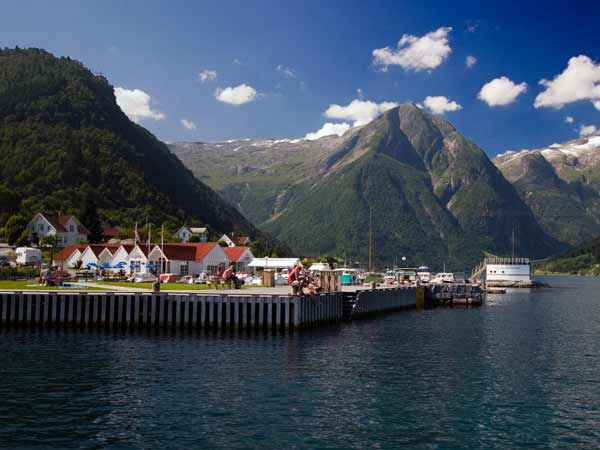 Balestrand_Sted_20101
